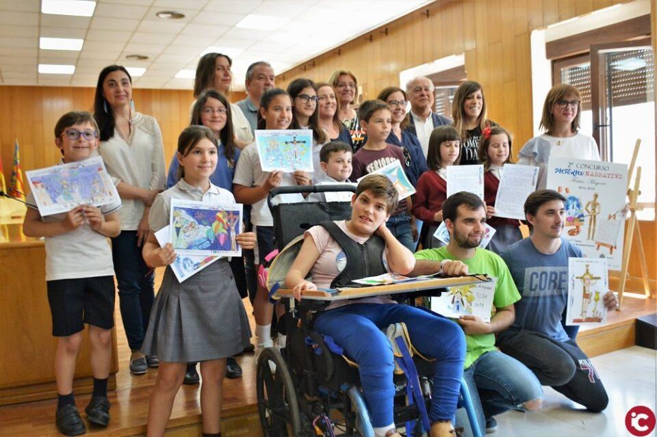 La Cofradía de los Santos Patronos de Elda entrega los premios de su II Concurso Pictórico-Narrativo de las Fiestas Mayores