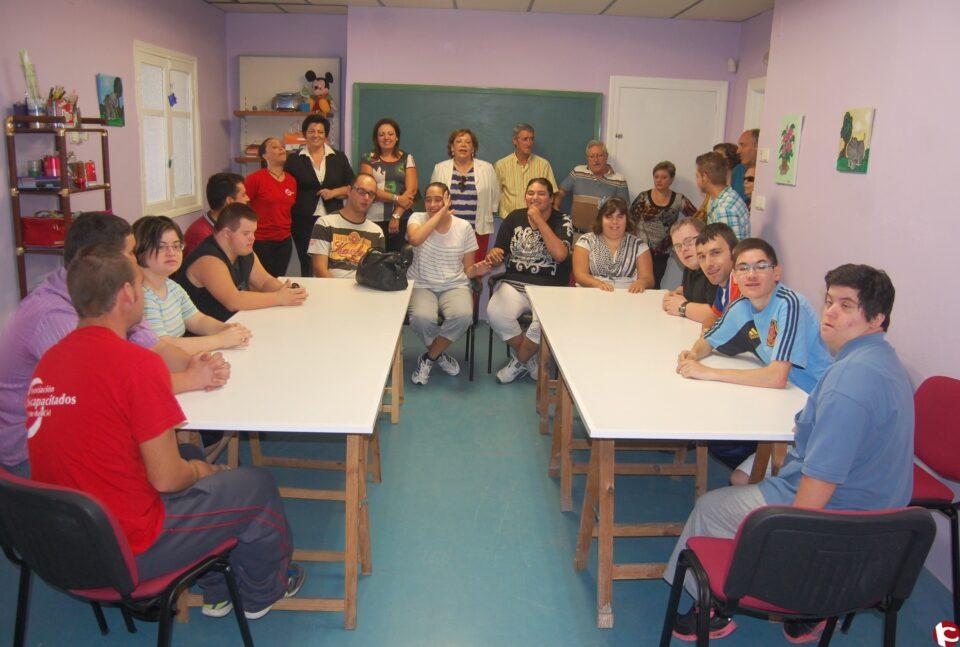 El Ayuntamiento de Monforte del Cid ha cedido una instalación municipal y todo el mobiliario a la Asociación de Discapacitados de Monforte del Cid